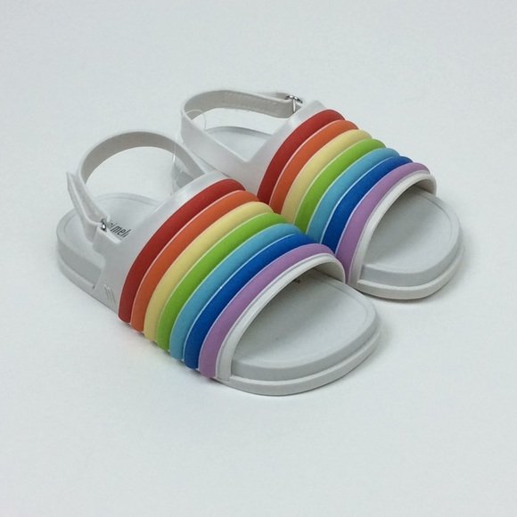 04ecf8953597 NWOB Mini Melissa Rainbow Beach Slide